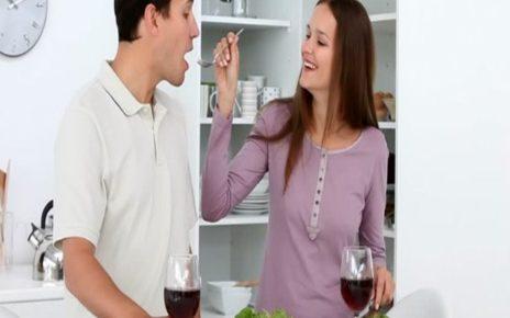 14 Cara Membahagiakan Suami Agar Rumah Tangga Tetap Harmonis