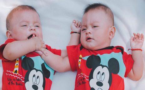 Calon Mama Papa Perlu Tahu, Ini 7 Tips Cara Membuat Anak Kembar