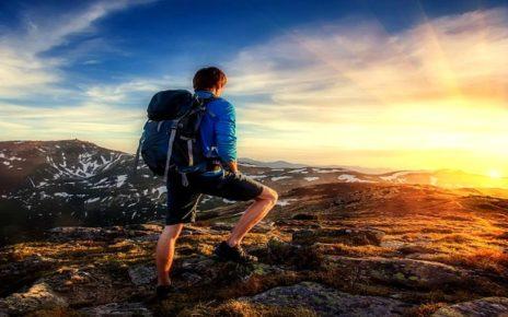 Cara Menghasilkan Uang Saat Backpacker-an